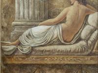 Фреска с лежащей девушкой